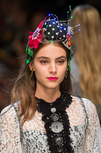 Dolce & Gabbana at Milan Spring 2017 (Details) [hair,beauty,hair accessory,fashion,headpiece,hairstyle,fashion accessory,lip,headgear,jewellery,headpiece,beauty,rouge,lip gloss,eye shadow,pink,fashion,hairstyle,dolce gabbana,milan fashion week,headpiece,glowy beauty bar,crown m,rouge,luce speciale,lip gloss,beauty,eye shadow,pink,haute couture]