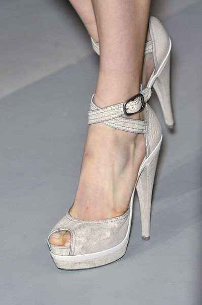 Donna Karan at New York Spring 2010 (Details)