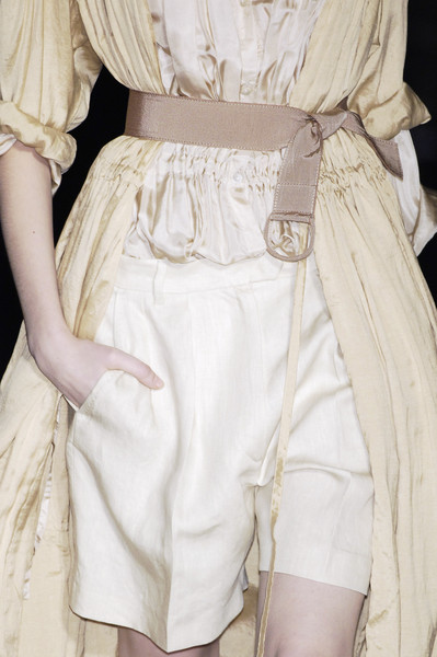 Dries Van Noten at Paris Spring 2006 (Details)