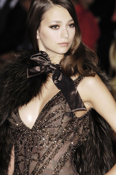 E Saab at Couture Fall 2005 (Details)