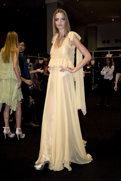 Elie Saab at Paris Spring 2009 (Backstage)