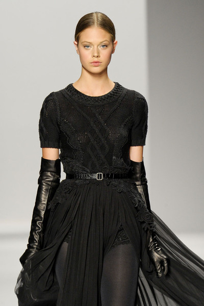 Elie Tahari at New York Fall 2011