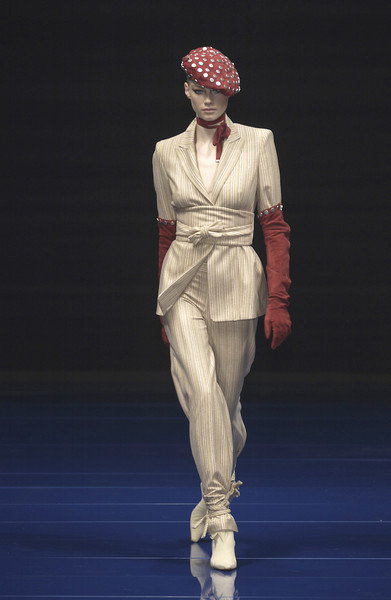 Erreuno at Milan Fall 2003