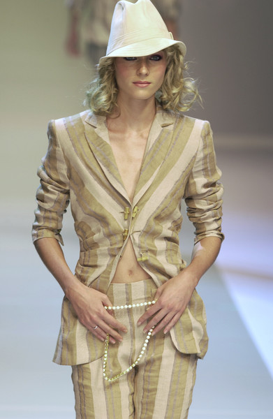 Erreuno at Milan Spring 2004