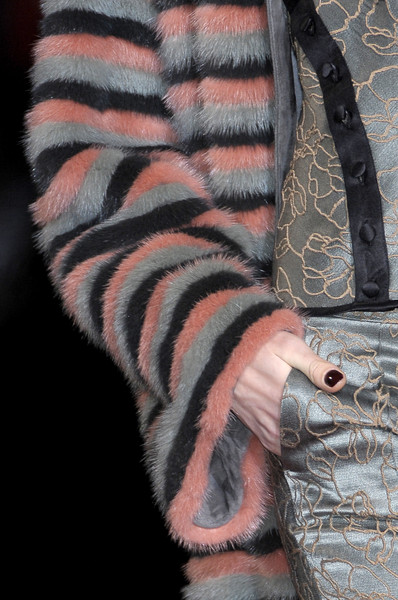 Etro at Milan Fall 2010 (Details) [fur,arm,close-up,hand,wool,textile,nail,flesh,wildlife,pattern,fur,pattern,arm,mammal,textile,nail,flesh,etro,milan fashion week,close-up,mammal,fur,h m,pattern]