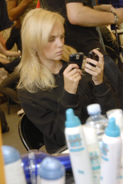 Etro at Milan Spring 2007 (Backstage)