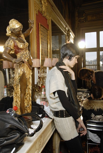 Franck Sorbier at Couture Spring 2007 (Backstage)