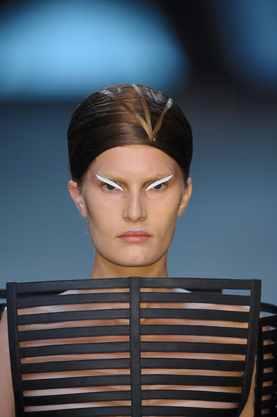 Gareth Pugh at Paris Spring 2012 (Details)