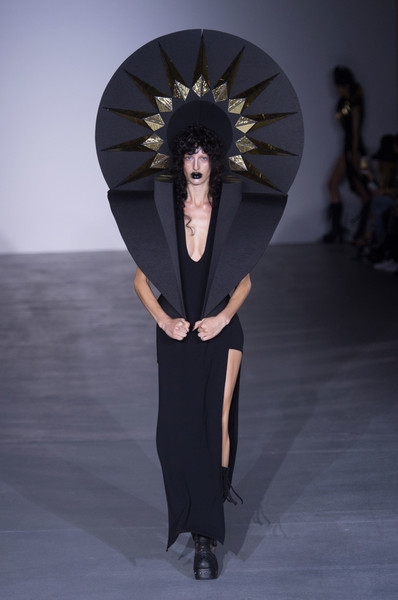 Gareth Pugh at London Spring 2017