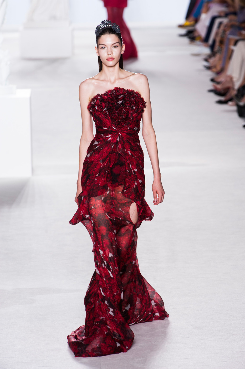 Giambattista valli haute couture fall 2013 runway for Haute couture list