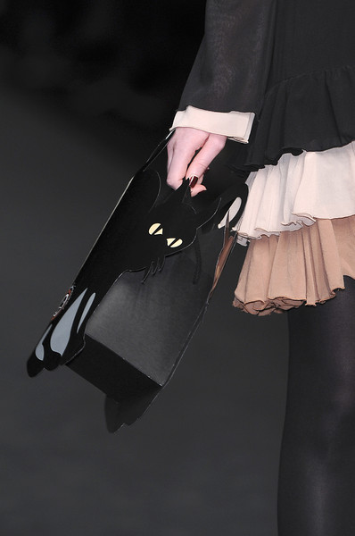 Giambra at Milan Fall 2009 (Details)