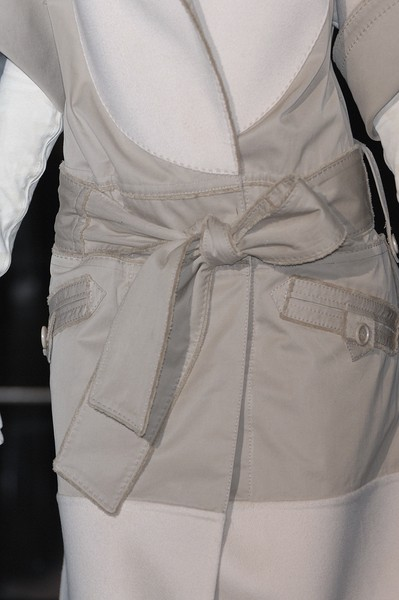 Gianfranco Ferré at Milan Fall 2007 (Details)