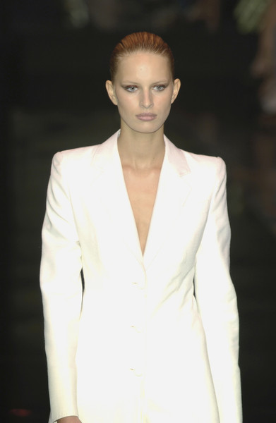Gianfranco Ferré at Milan Spring 2002 [fashion model,fashion,white,clothing,suit,fashion show,beauty,hairstyle,formal wear,outerwear,socialite,supermodel,gianfranco ferre,fashion,model,haute couture,runway,suit,milan fashion week,fashion show,fashion show,runway,model,supermodel,haute couture,fashion,socialite,tuxedo,tuxedo m.]