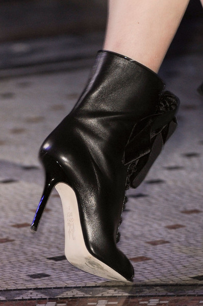 Giles at London Fall 2011 (Details)