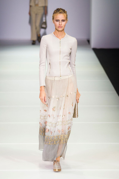 eda0b1c4f722 Giorgio Armani Spring 2015 Runway Pictures - Livingly
