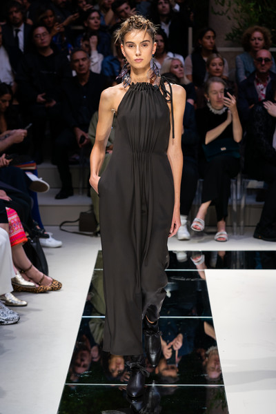 Giorgio Armani at Milan Spring 2020 [fashion model,fashion show,runway,fashion,clothing,dress,event,fashion design,haute couture,public event,dress,jil sander,fashion,spring,fashion week,clothing,giorgio armani,milan fashion week,fashion show,event,giorgio armani,jil sander,ready-to-wear,spring,armani,milan fashion week 2018,fashion,fashion week,fashion show]