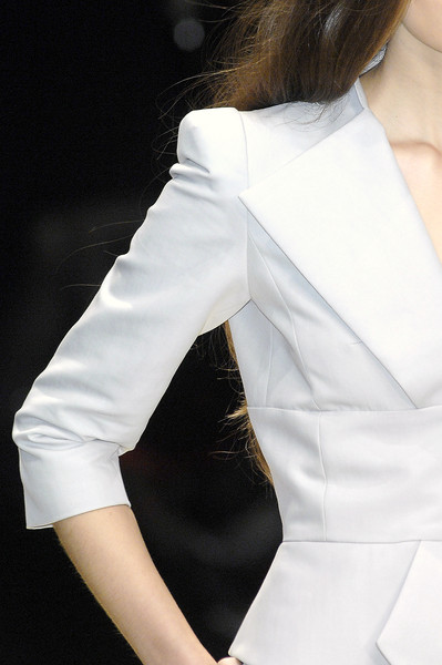 Guy Laroche at Paris Spring 2009 (Details)