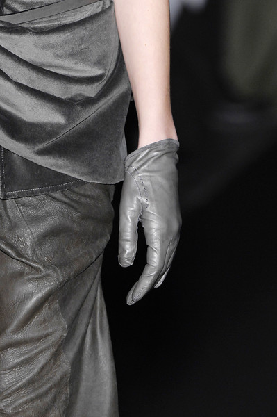 Haider Ackermann at Paris Fall 2007 (Details)