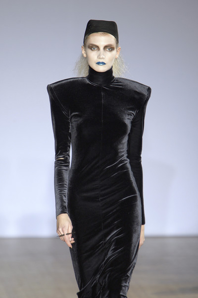 Hannah Marshall at London Fall 2010