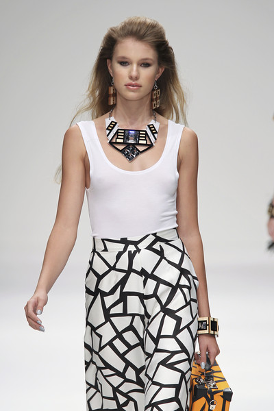 Holly Fulton at London Spring 2011