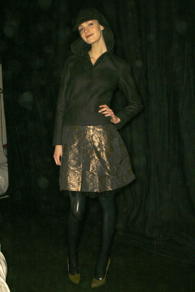 Hussein Chalayan at Paris Fall 2007 (Backstage)