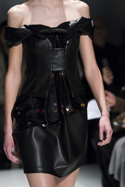 Hussein Chalayan at London Fall 2019 (Details) [fashion model,fashion,clothing,latex clothing,shoulder,runway,fashion show,haute couture,dress,leather,supermodel,hussein chalayan,fashion,runway,haute couture,clothing,model,latex clothing,london fashion week,fashion show,runway,fashion,fashion show,model,ready-to-wear,haute couture,supermodel,fall winter 2019,clothing]
