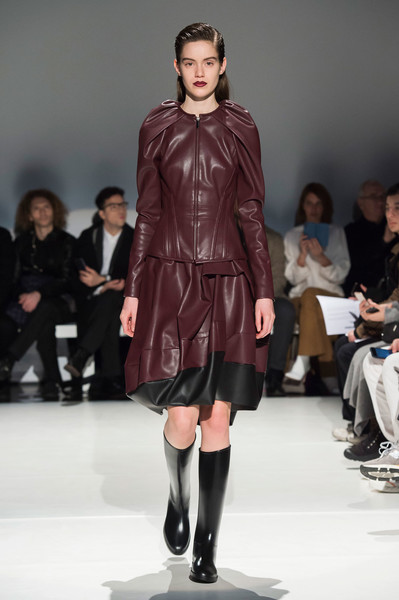 Hussein Chalayan at London Fall 2019 [fashion show,fashion model,runway,fashion,clothing,fashion design,public event,event,shoulder,outerwear,hussein chalayan,fashion,runway,fashion week,model,vogue,modeling agency,london fashion week,event,fashion show,runway,hussein chalayan,london fashion week,fashion show,fashion,fashion week,model,modeling agency,vogue,ready-to-wear]