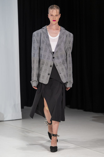 Hussein Chalayan at London Spring 2019 [fashion show,runway,fashion model,fashion,clothing,outerwear,public event,event,human,fashion design,hussein chalayan,fashion,runway,fashion week,model,fashion model,london fashion week,event,fashion show,paris fashion week,runway,hussein chalayan,london fashion week,fashion show,fashion,fashion week,paris fashion week,london,model,ready-to-wear]
