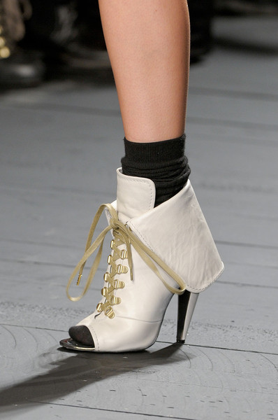 Iceberg at Milan Fall 2012 (Details)