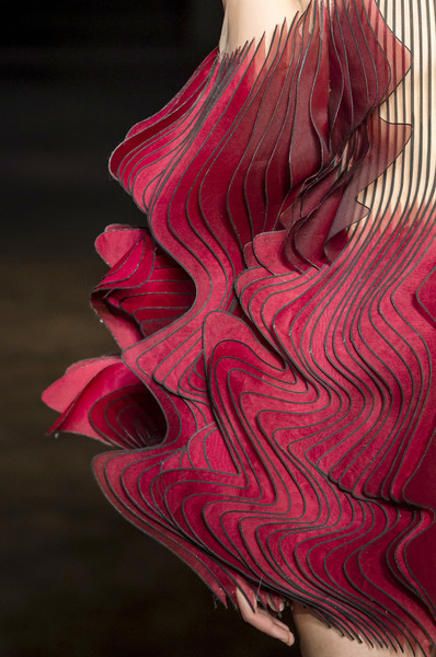 Iris Van Herpen at Couture Fall 2018 (Details) [autumn,pink,red,magenta,muscle,flesh,illustration,art,iris van herpen,couture fall,fashion,haute couture,fashion design,runway,pink,red,muscle,fashion,haute couture,fashion design,runway,autumn,ready-to-wear,ralph russo,viktor rolf,givenchy]