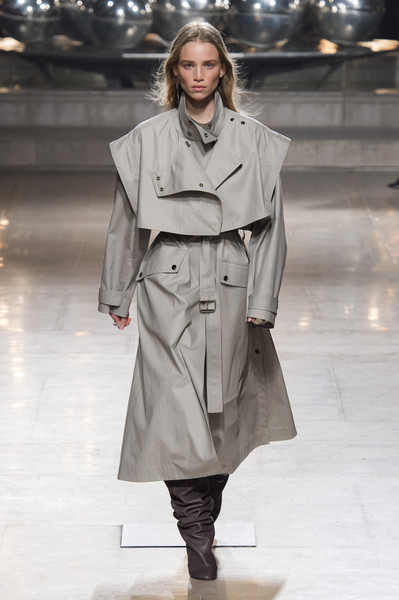Isabel Marant at Paris Fall 2019 [fashion show,fashion model,fashion,clothing,runway,coat,outerwear,overcoat,trench coat,shoulder,outerwear,isabel marant,fashion,runway,fashion week,coat,clothing,chanel,paris fashion week,fashion show,isabel marant,paris fashion week,chanel,runway,fashion,fashion week,ready-to-wear,autumn,fashion show]