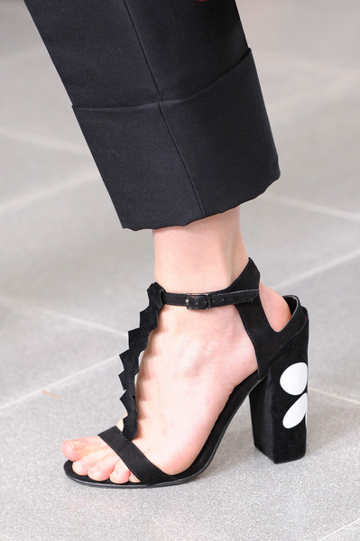 Issa at London Fall 2014 (Details)