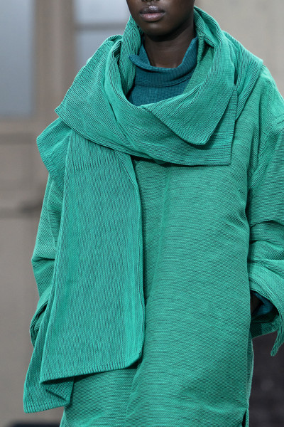 Issey Miyake at Paris Fall 2019 (Details) [green,clothing,turquoise,aqua,teal,outerwear,sleeve,neck,fashion,hood,outerwear,issey miyake,bao bao,clothing,turquoise,teal,fashion,new york,paris,paris fashion week,new york,paris,ready-to-wear,clothing,bao bao issey miyake,outerwear,knitting,woolen]