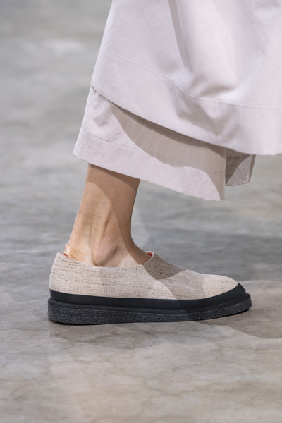 Issey Miyake at Paris Spring 2020 (Details) [footwear,white,shoe,fashion,leg,ankle,human leg,beige,haute couture,sandal,shoe,issey miyake,fashion,fashion week,leg,human leg,sandal,paris fashion week,fashion show,milan fashion week,paris fashion week,milan fashion week,fashion,fashion week,shoe,fashion show,ready-to-wear,sandal,fashion forecasting,runway]