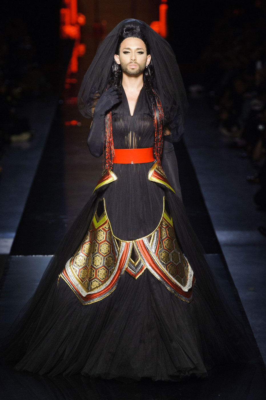 jean paul gaultier at couture fall 2014 livingly. Black Bedroom Furniture Sets. Home Design Ideas
