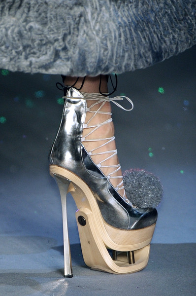 John Galliano at Paris Fall 2009 (Details)