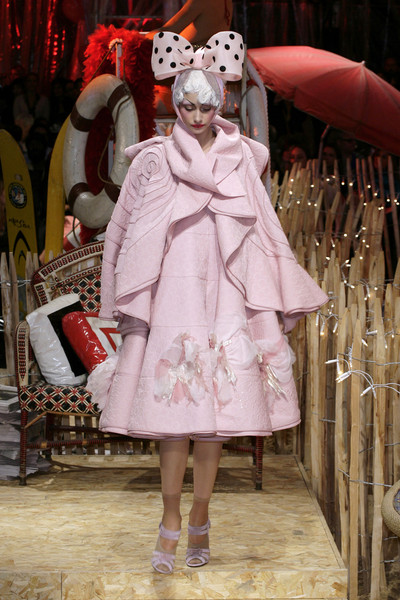 John Galliano Fall 2018 Ready-to-Wear Collection - Vogue 46