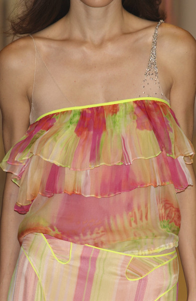 Lancetti at Milan Spring 2004 (Details) [clothing,dress,pink,day dress,fashion,haute couture,cocktail dress,shoulder,magenta,peach,cocktail dress,dress,supermodel,haute couture,peach,runway,silk,clothing,pink,milan fashion week,cocktail dress,supermodel,silk,haute couture,runway,dress,peach]