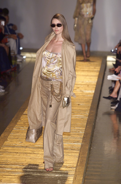 Laura Biagiotti at Milan Spring 2001