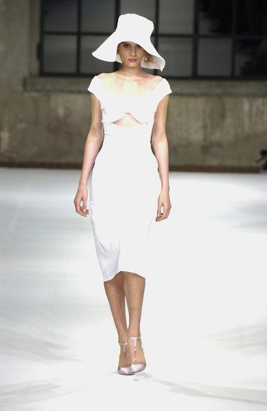 Luisa Beccaria at Milan Spring 2004 [fashion model,clothing,white,fashion show,fashion,runway,dress,shoulder,neck,hat,cocktail dress,gown,supermodel,luisa beccaria,fashion,runway,haute couture,pence,milan fashion week,fashion show,runway,fashion show,haute couture,cocktail dress,supermodel,fashion,gown,summer,two pence]