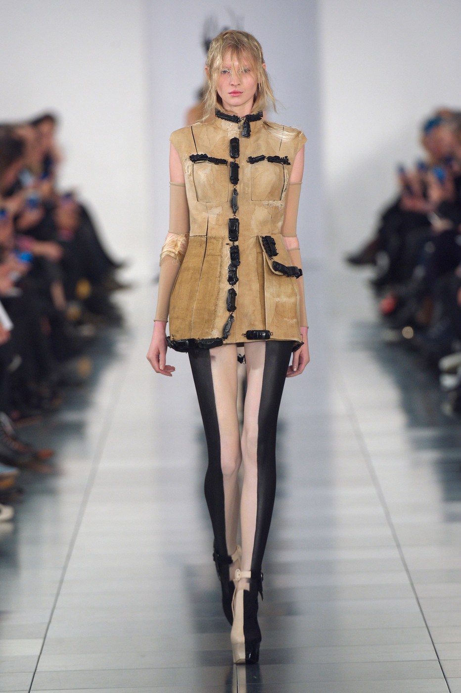 Maison martin margiela couture at couture spring 2015 for Couture a la maison