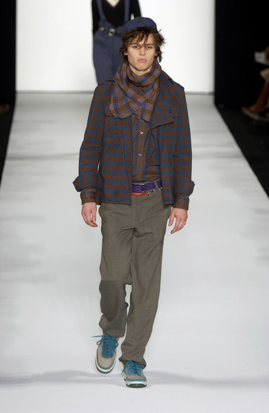 Marc by Marc Jacobs at New York Fall 2005 [fashion show,fashion,fashion model,runway,clothing,human,fashion design,brown,public event,event,marc by marc jacobs,human,runway,fashion,fashion week,model,clothing,new york fashion week,event,fashion show,runway,new york fashion week,fashion show,fashion,fashion week,model,new york,marc jacobs,tartan]