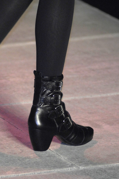 Marc by Marc Jacobs at New York Fall 2008 (Details) [footwear,shoe,boot,leg,human leg,joint,riding boot,fashion,ankle,high heels,shoe,shoe,footwear,marc by marc jacobs,fashion,model,joint,riding boot,ankle,new york fashion week,shoe,high-heeled shoe,fashion,model]
