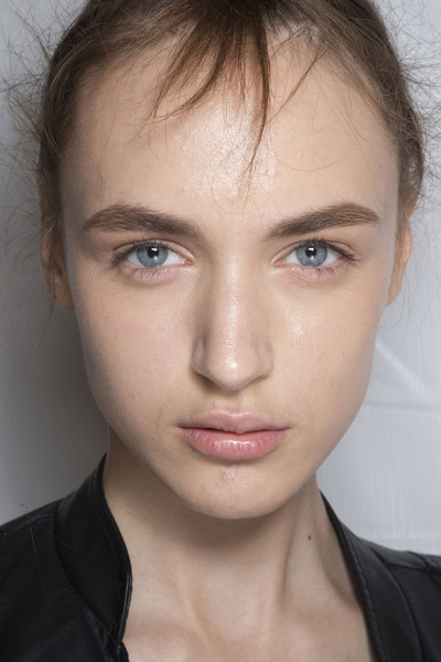 Marc by Marc Jacobs at New York Spring 2015 (Backstage) [face,hair,eyebrow,lip,forehead,cheek,chin,skin,hairstyle,nose,supermodel,marc by marc jacobs,forehead,cryforme,fashion,model,lip,thats my theory,hairstyle,new york fashion week,cryforme,thats my theory,fashion,forehead,model,supermodel,lips]