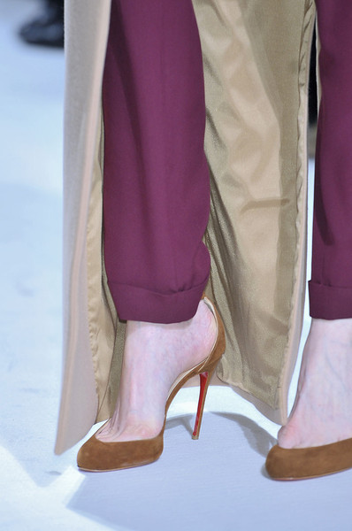 Martin Grant at Paris Fall 2011 (Details)