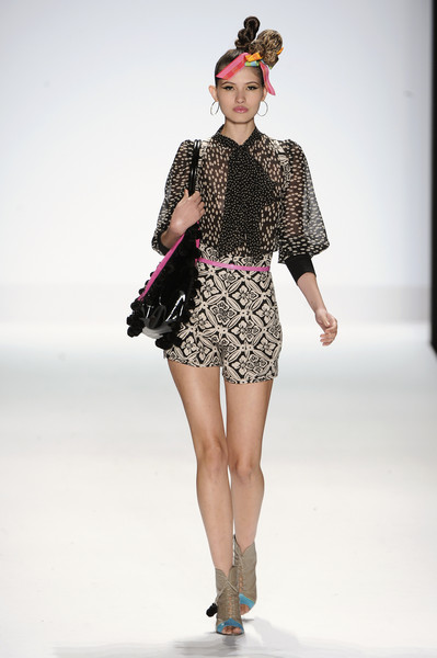 Monda Guerra at New York Spring 2011