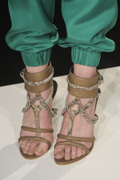 Monika Chiang at New York Spring 2013 (Details)