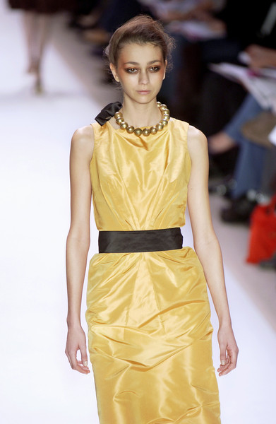 Monique Lhuillier at New York Fall 2005 [fashion show,fashion model,fashion,runway,clothing,yellow,dress,beauty,fashion design,hairstyle,cocktail dress,gown,supermodel,runway,fashion,yellow,model,haute couture,new york fashion week,fashion show,runway,fashion show,haute couture,fashion,model,cocktail dress,supermodel,gown,yellow,socialite]
