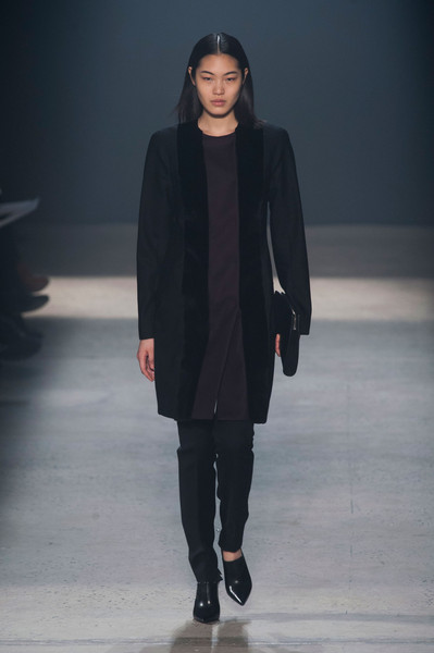 Narciso Rodriguez at New York Fall 2014 [fashion show,runway,fashion,fashion model,clothing,outerwear,public event,human,event,fashion design,narciso rodriguez,julia v\u00e4lim\u00e4ki,fashion,runway,fashion week,model,vogue,fashion design,new york fashion week,fashion show,julia v\u00e4lim\u00e4ki,runway,fashion show,paris fashion week,fashion,model,fashion week,vogue,ready-to-wear,fashion design]