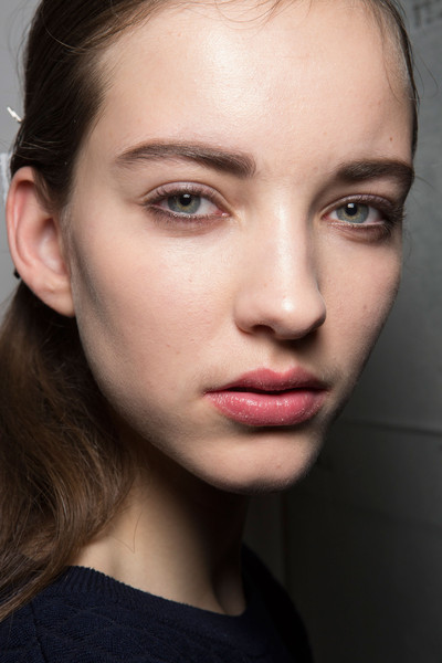 Narciso Rodriguez at New York Fall 2015 (Backstage) [face,hair,eyebrow,lip,cheek,chin,beauty,skin,forehead,hairstyle,narciso rodriguez,peach fm,beauty,eye liner,lip,lipstick m,hairstyle,skin,forehead,new york fashion week,peach fm,\u6797\u91d1\u798f,lipstick m,beauty,eye liner,eye shadow]